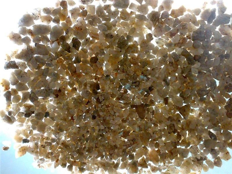 низкокачественный дробленый кварцитный песок